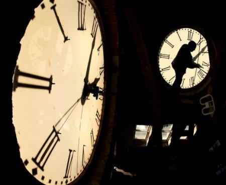 Машина времени существует? Реально ли перемещение во времени?